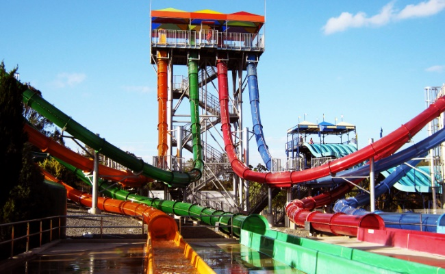 Wet`n` Wild Water World AquaLoop