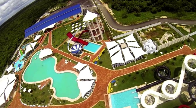 Los Delfines Water & Entertainment Park