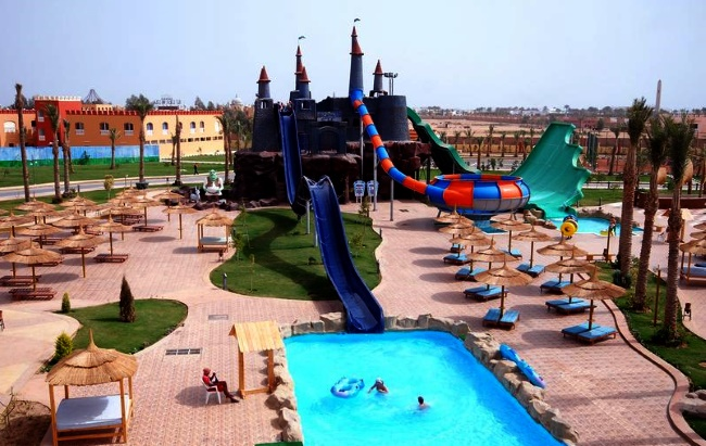 "Peackalbatros Sea World Resort ""Замок Шрека"";"