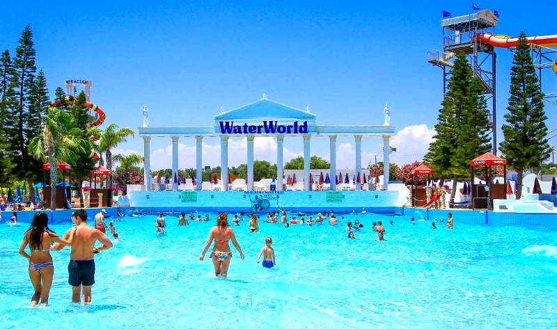 "Аквапарк ""WaterWorld"" в Айя-Напа"