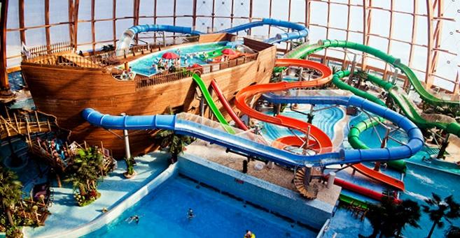 В Санкт-Петербурге аквапарк «Питерлэнд»