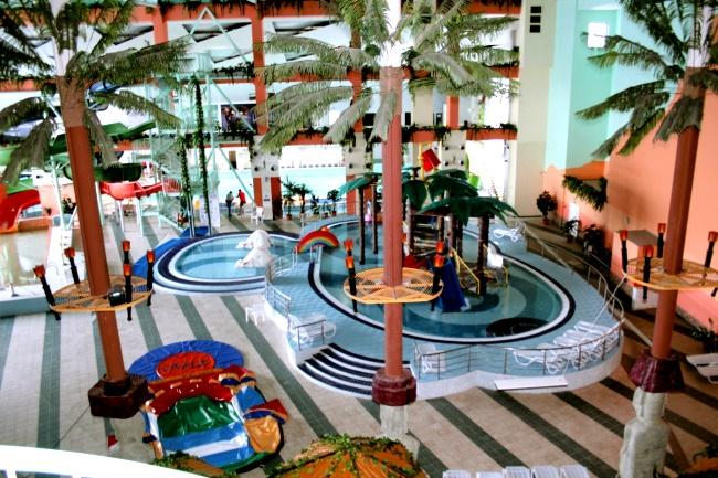 аквапарк «Водопад чудес» бассейн для детей