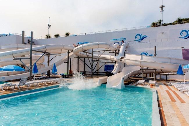 """Официальный сайт аквапарка """"Aqua Park Budva"""