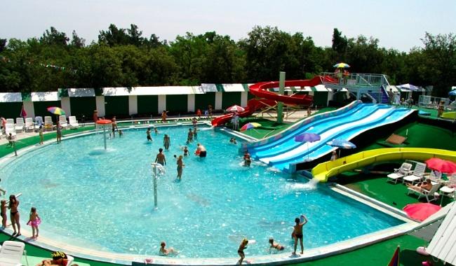"""""""Бегемот"""" - второй по величине аквапарк в любимом туристами городе-курорте Геленджике"""