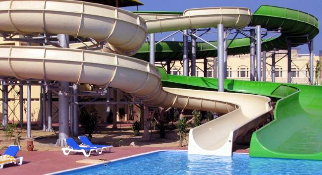 Tia Heights Makadi Bay в аквапарке горки для взрослых и детей