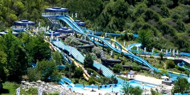 на острове Корфу, но и в Европе считается аквапарк «Аквалэнд»